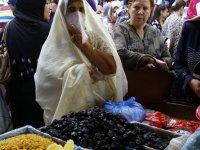 Cezayir'de iş yerlerinde peçe takmak yasaklandı