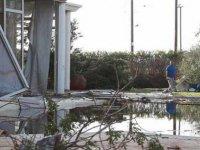 Lefkoşa'nın kuzeyinde çıkan hortum yıktı geçti