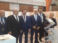 """Türkiye'nin Paris büyükelçisi ve İto Başkanı Sıal Paris gıda fuarı'nda """"North Cyprus"""" standını ziyaret etti"""