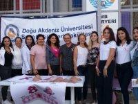 DAÜ Hemşirelik Bölümü'nden meme kanseri farkındalık etkinliği