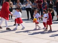 Montessori çocukları Ata'nın yolunda