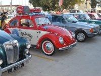 Klasik otomobiller Cıty Mall AVM'de buluştu
