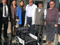 Choudhry hastaneye 25 tekerlekli sandalye bağışladı