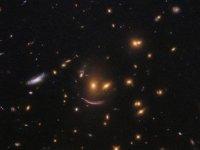 Hubble'dan gülümseten keşif