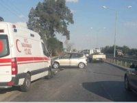Hamitköy'de ambulans ile araç çarpıştı