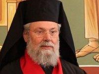 """II. Hrisostomos'tan Moskova Patrkhanesi'ne """"yarım ağızla"""" destek"""
