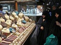 İran'da 'eşek kulağı' ve 'kedi gözü' estetiği yasağı