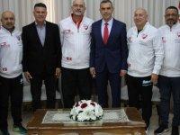 Uluçay, Londra Türk Master takımı heyetini kabul etti