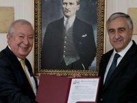 Akıncı Marmara Grubu Vakfı Genel Başkanı Suver'i kabul etti