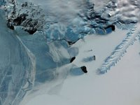 Antarktika buzulları altında eski kıtaların izlerine rastlandı