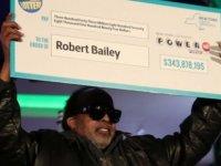 25 yıl aynı sayılarla loto oynadı, sonunda 343,9 milyon dolarlık ikramiyeyi kazandı