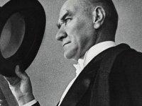 Atatürk heykeline bir saldırı daha