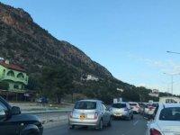 Lefkoşa- Girne trafiği felç