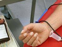 Gezici Kan Bağış Otobüsü Açık Pazar alanında