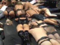 Polisten BDSM partisine baskın; kırbaç ve seks oyuncaklarına el kondu (video)