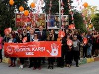 """UBP'li kadınlardan """"Kadına Yönelik Şiddete Karşı Biriz"""" yürüyüşü…"""