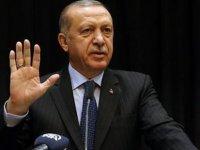 Erdoğan'la tokalaşmadı, Erdoğan'ın eli havada kaldı (video)