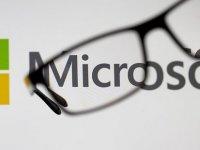 Microsoft, Apple'dan tacını geri aldı