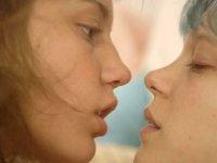 'Her kadın az biraz lezbiyendir'