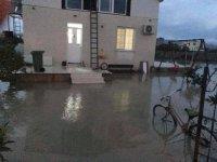 Geçitkale'de su baskınlarına Belediye müdahale etti