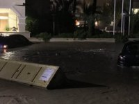 Girne'de otelleri su bastı (VİDEO HABER)
