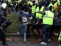 Brüksel'de 'sosyal kış': Sarı Yelekliler hayatı durma noktasına getirdi, en az 100 gözaltı