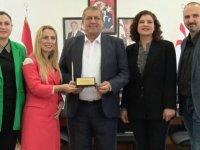 Zeytin Ağacı Yardımlaşma Derneği Başkan İsmail Arter'i ziyaret etti