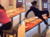 Mücevher takıp kaçma' şakası viral oldu (Video)