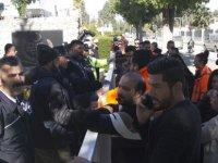 CAS'ın tasfiyesi meclis önünde protesto edildi