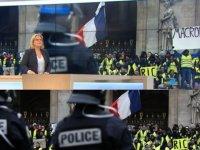 'Macron defol' yazılı dövizdeki 'defol'u silen France 3 alay konusu oldu