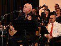 Devlet Türk Halk Müziği Topluluğu'nun Şef İlker Dölek yönetimindeki son konser ayakta alkışlandı