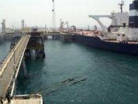 İran 3 milyon varil petrolü borsada satacak