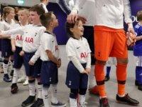 Premier Lig'de maskot çocuklardan para alan 'açgözlü kulüpler' tartışılıyor