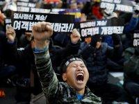 Güney Kore'de bir taksici daha kendini yaktı