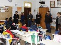 Meral Akıncı, Serdarlı İlkokulu'na geçmiş olsun ziyaretinde bulundu