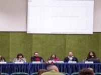 """DAÜ'de """"Çocuklarımız, İnternet ve Biz"""" konulu panel gerçekleştirildi"""