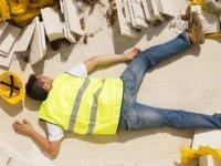 Yine is 'kazası': 3 metre yükseklikten düşen İşçinin kafatası kırıldı