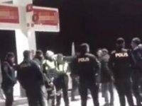 Şöförüne silah çektikleri otobüsten polis çıktı