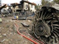 Pistten çıkan kargo uçağı  bir eve daldı, olayda 15 kişi öldü (video)