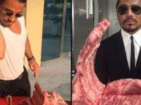 """Nusret'e ABD'de hijyen davası: """"Çıplak elleriyle etleri tokatlıyor"""""""
