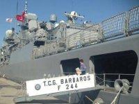 TCG Barbaros Fırkateyn'i Gazimağusa Limanı'nda ziyarete açıldı