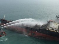 Rusya: Kerç Boğazı'nda iki gemi alev aldı