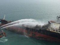 Kerç Boğazı'nda iki gemi alev aldı: 10 kişi hayatını kaybetti (video)