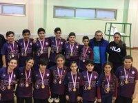 Yakın Doğu Koleji Badminton'da Erkeklerde ve Kızlarda Çifte Şampiyonluğa Ulaştı...