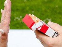 Sigara içenlerde sağırlık riski!
