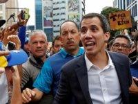 Trump Venezuela muhalefet liderini devlet başkanı olarak tanıdı, dünya bölündü
