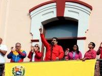 Venezuela ABD'deki elçilik ve konsoloslukların kapatılmasını emretti