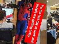 Patronunu çıldırtmak için bankadaki işine Örümcek Adam kıyafetiyle gitti (video-haber)