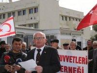 TBK Gaziler Derneği, Büyükelçilik önünde toplanıp bildiri okudu