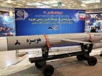 İran 1300 km menzilli yeni balistik füzesini 'başarıyla' test etti